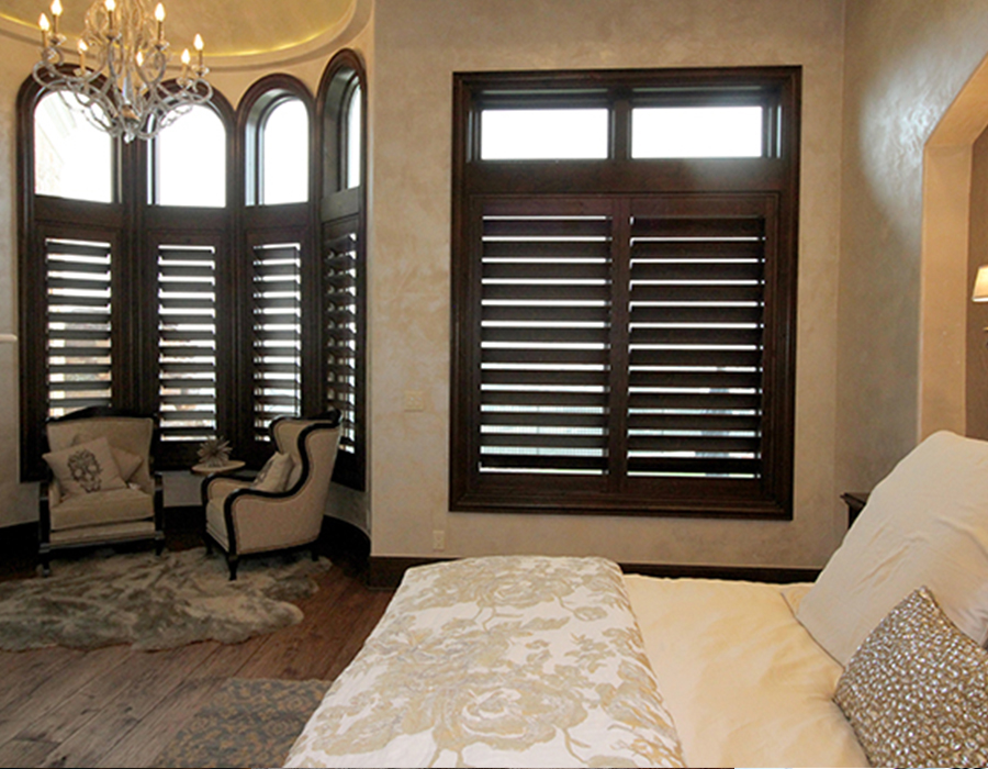 bedroom knotty alder natural wood shutter Hunter Douglas Austin 78758